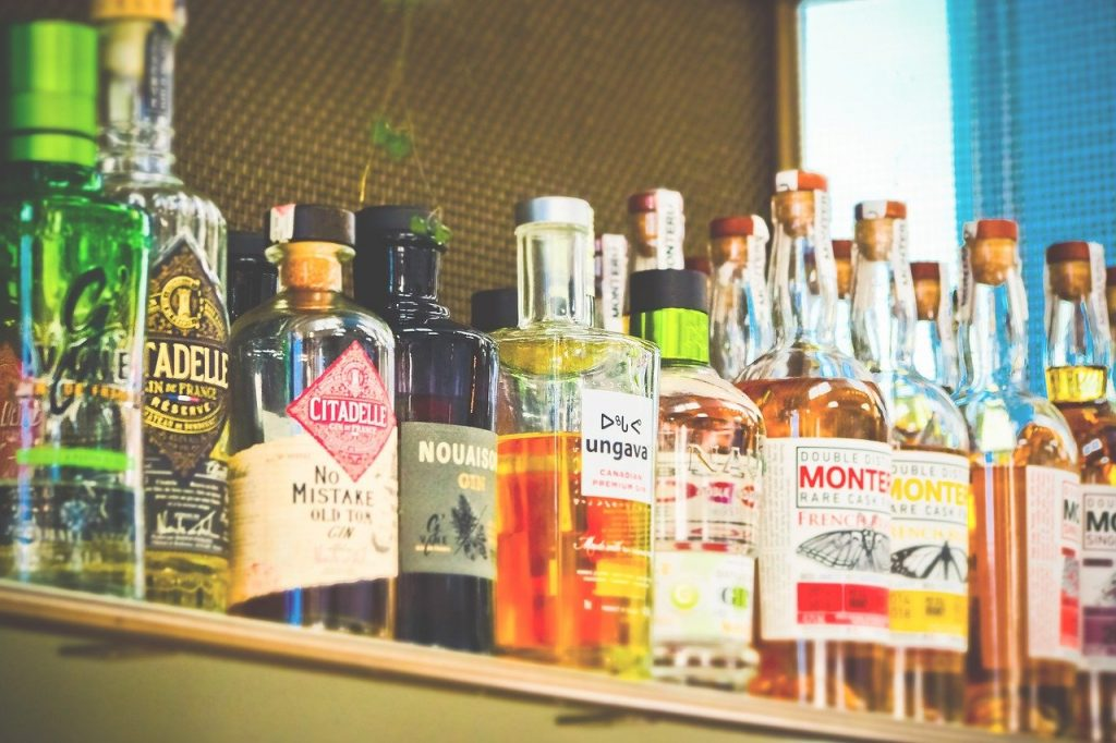 bottles, alcohol, drink-3623317.jpg